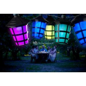 LED feestverlichting met gekleurde lampionnen